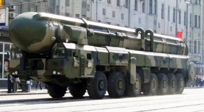 La Russia dismetterà i missili balistici intercontinentali Topol