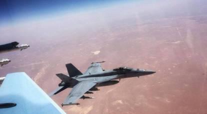 Foto di un pericoloso incontro tra il Su-30SM e l'F/A-18 americano nei cieli della Siria