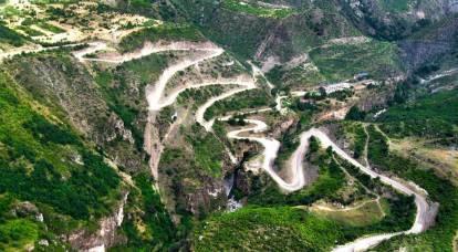 """""""Corredor do Cáucaso"""" fornecerá acesso do Irã ao Mar Negro, contornando o Azerbaijão"""