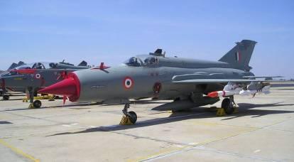 L'India conferma i piani per eliminare gradualmente i caccia MiG-21