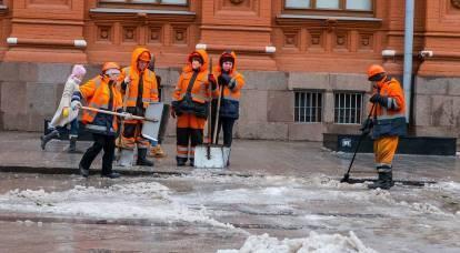 """I russi rimangono disoccupati e con salari bassi a causa di """"schemi grigi"""" con lavoratori migranti"""