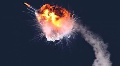 米国とウクライナのロケットが打ち上げ後に爆発した
