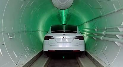 """La compagnia di Elon Musk ha lanciato una """"metropolitana"""" con le auto elettriche Tesla"""