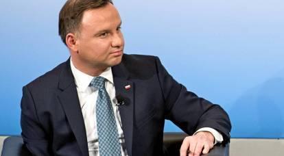 """""""Nuestro presidente está en desgracia"""": polacos sobre la manifestación de Duda por bromistas rusos"""