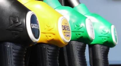 """Quando finirà la """"guerra del petrolio"""" e perché la benzina non sta diventando più economica in Russia?"""