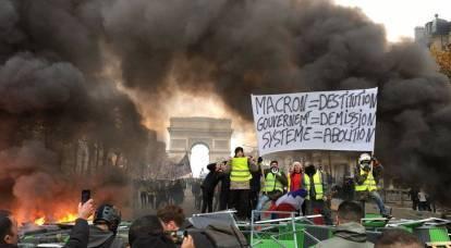 Proteste a Parigi: più di 1700 persone arrestate