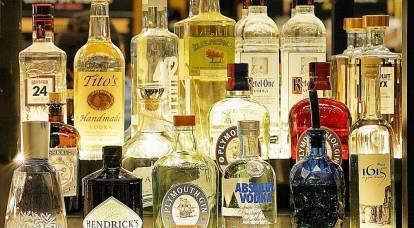 """""""Putin não bebe e os russos não bebem"""": a imprensa alemã sobre o declínio do consumo de vodka na Rússia"""