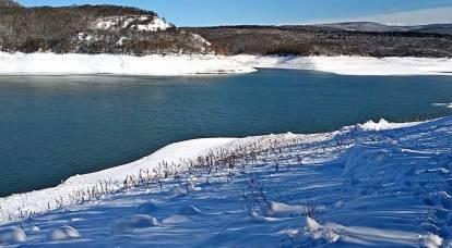 """Mientras Kiev amenaza con un """"embargo de agua"""", el mal tiempo en Crimea llena los depósitos vacíos"""