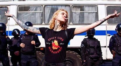 Stupore di massa dei russi sull'esempio dell'Occidente: chi ne beneficia?