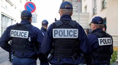 """La Francia ha deciso di """"corrompere"""" la polizia, temendo proteste di massa"""