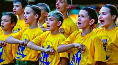 Golpear, envenenar y degollar: lo que se enseña a los niños en Ucrania