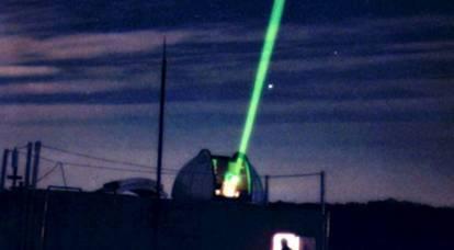 米国は世界にその秘密の宇宙兵器を示す準備をしています