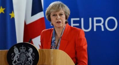 Theresa May chiede all'Europa di inasprire le sanzioni contro la Russia
