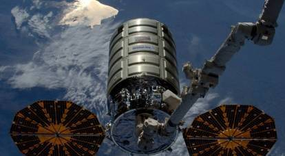"""Life on the ISS: what do trucks """"bring"""" to the astronauts?"""