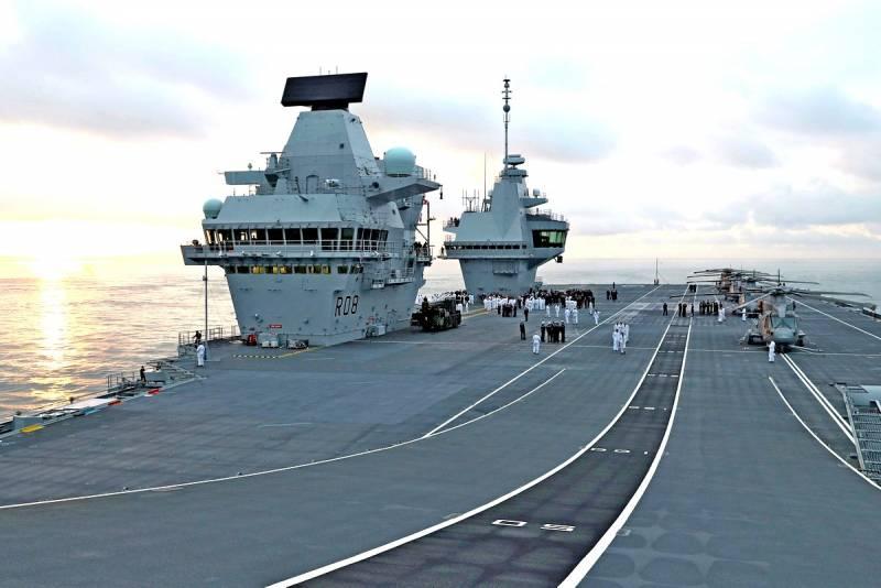 Армейский рэкет: США присвоили новейшие британские авианосцы