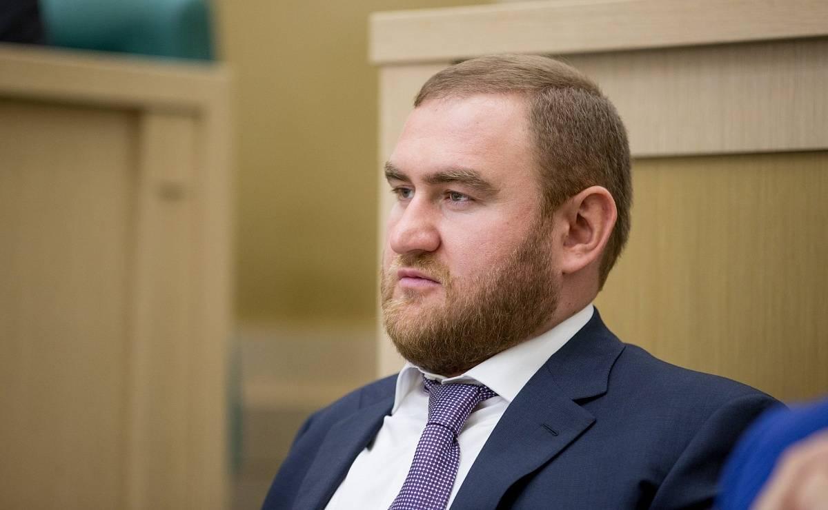 Свидетель: Арашуков заказал убийство человека из-за плевка в его портрет
