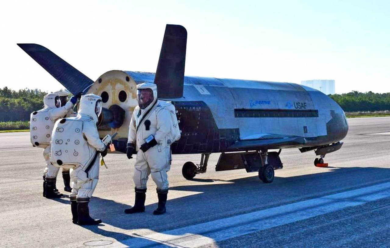команда сотрудников НАСА