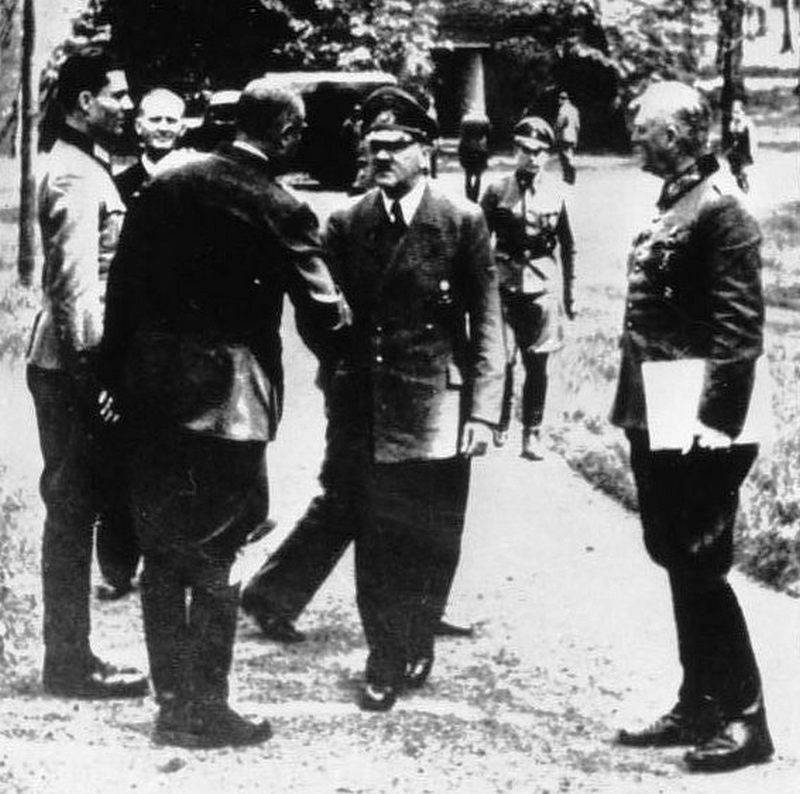 Kill Hitler: what would the success of Operation Valkyrie lead to?
