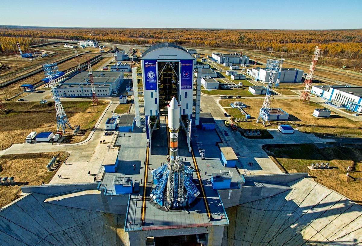 """Возвращающиеся на космодром """"Восточный"""" строители пройдут карантин из-за коронавируса"""