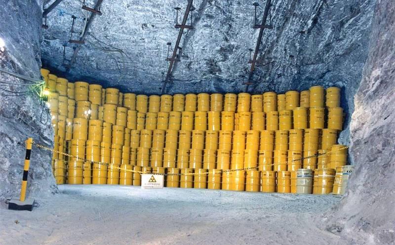 Россию вновь превращают в радиоактивный могильник?
