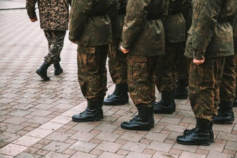 Новое ЧП в российской армии: солдат повесился в кабинете командира части