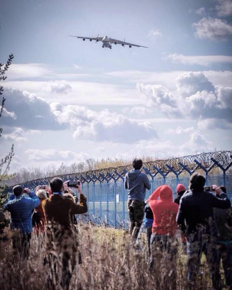I polacchi hanno deluso l'arrivo dell'ucraino An-225 Mriya