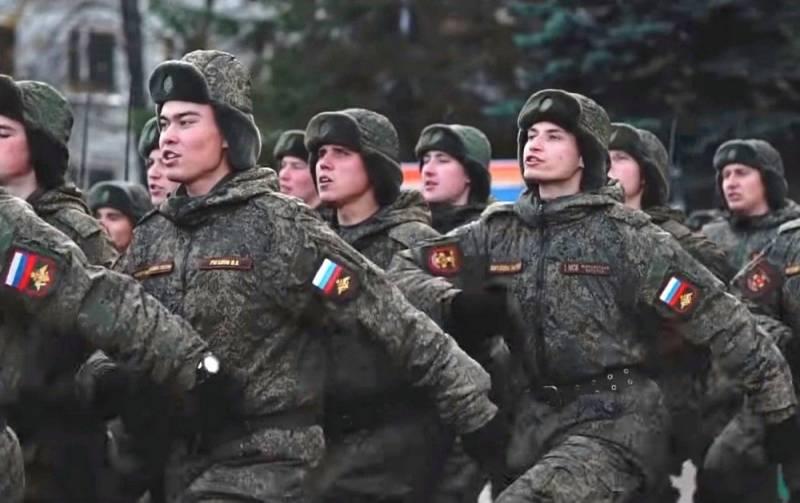 «Служу Ичкерии!»: военнослужащие армии РФ маршируют под странные речёвки