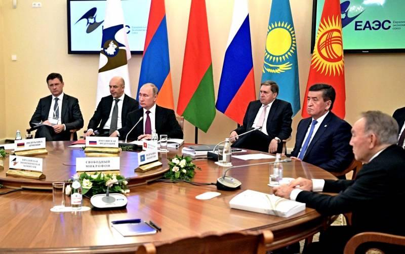 Ближайшие союзники России все больше отказываются от русского языка
