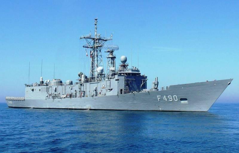 Турски кораби затвориха небето над Либия с бордови ПВО системи