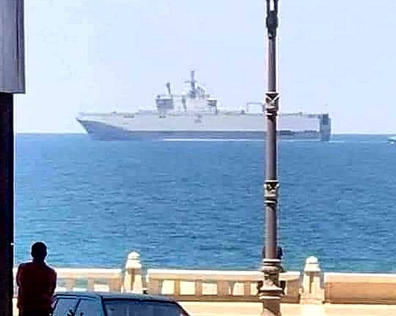 "Egyptian ""Mistral"" go to the shores of Libya"