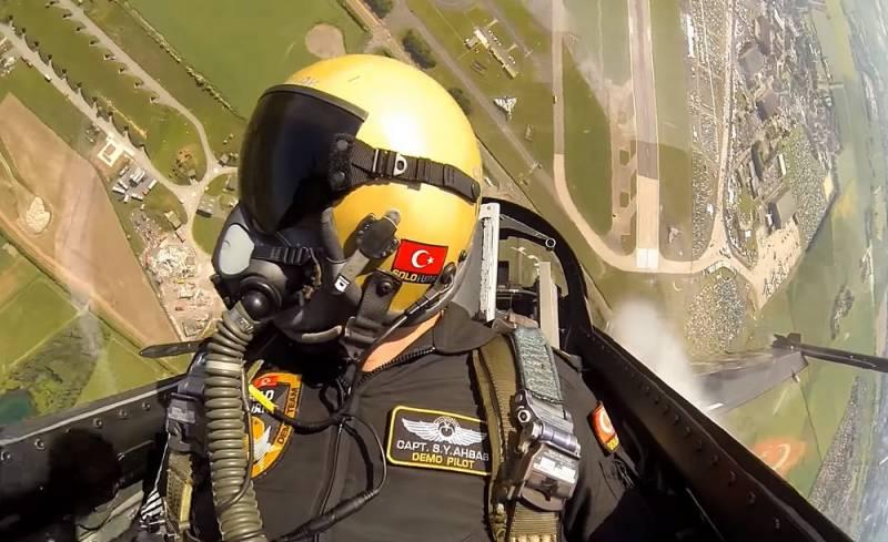 Русско-турецкое противостояние: почему мы отступаем по всем направлениям?