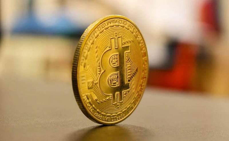 Почему биткойн начал теснить не только доллар, но и золото