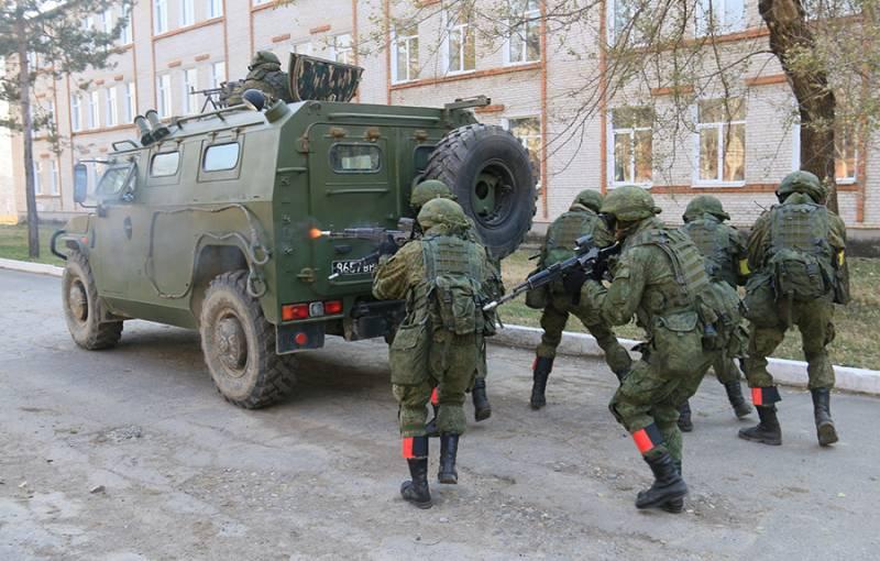Политолог: «Украинский сценарий» в Беларуси приведет к неминуемому вторжению войск РФ