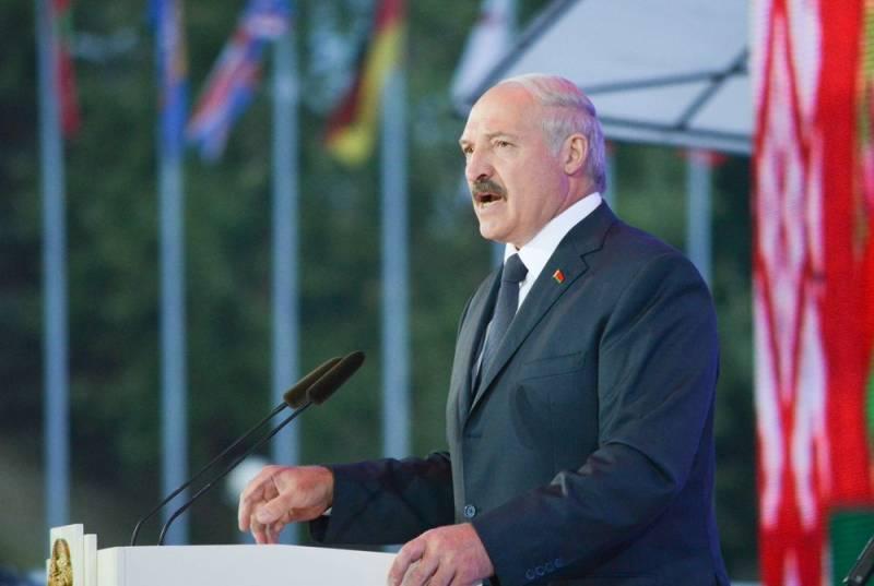 Политолог объяснил, почему Лукашенко откажется от Союзного государства даже сейчас