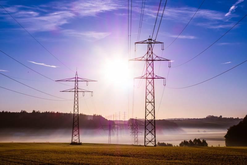 1602554959_power-poles-503935_1280.jpg