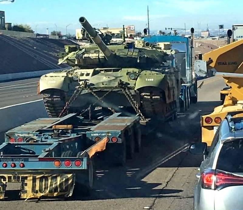 """Photo of T-80UD from the USA: where did the Americans get the tanks with the secret explosive reactive armor """"Knife"""""""