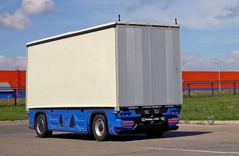 В России анонсировали запуск перевозок на беспилотных грузовиках
