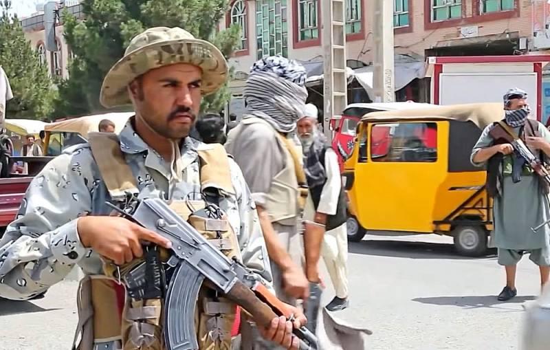 «Их интересуют три страны»: эксперт рассказал о планах талибов после взятия Кабула