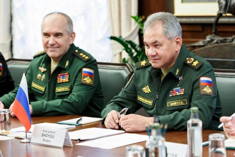 Источник сообщил о просьбе в адрес Шойгу покинуть пост министра обороны